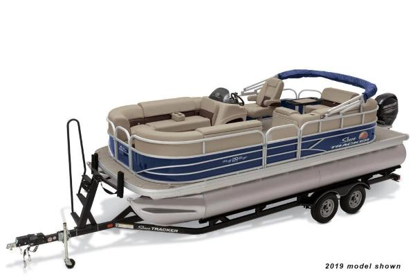Sun Tracker Party Barge 20 DLX