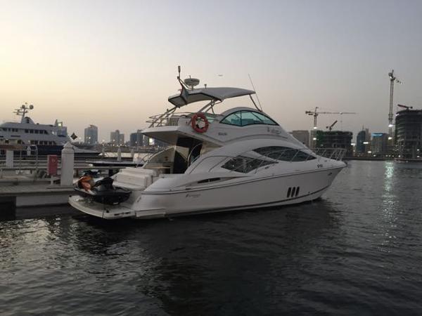 Cruisers Yachts 497 Sport Sedan
