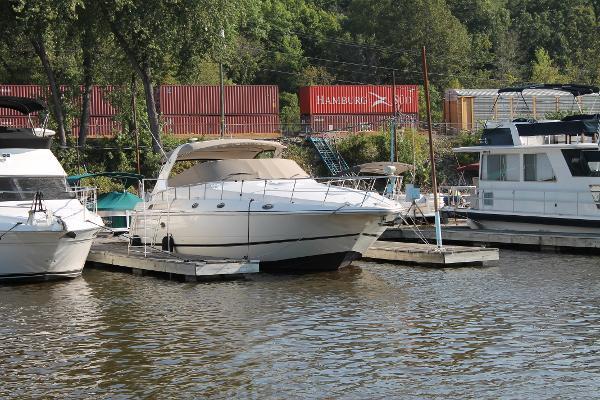 Cruisers 4270 Express Esprit Starboard Side in Slip