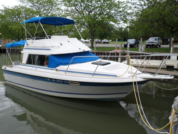Bayliner Trophy 2560 CNV