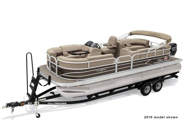 Sun Tracker Party Barge 22 DLX Manufacturer Provided Image