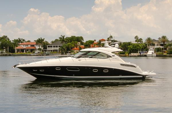 Sea Ray 43 Sundancer Profile