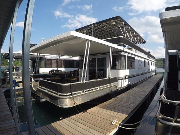 Majestic 16 x 75 WB Rental Houseboat