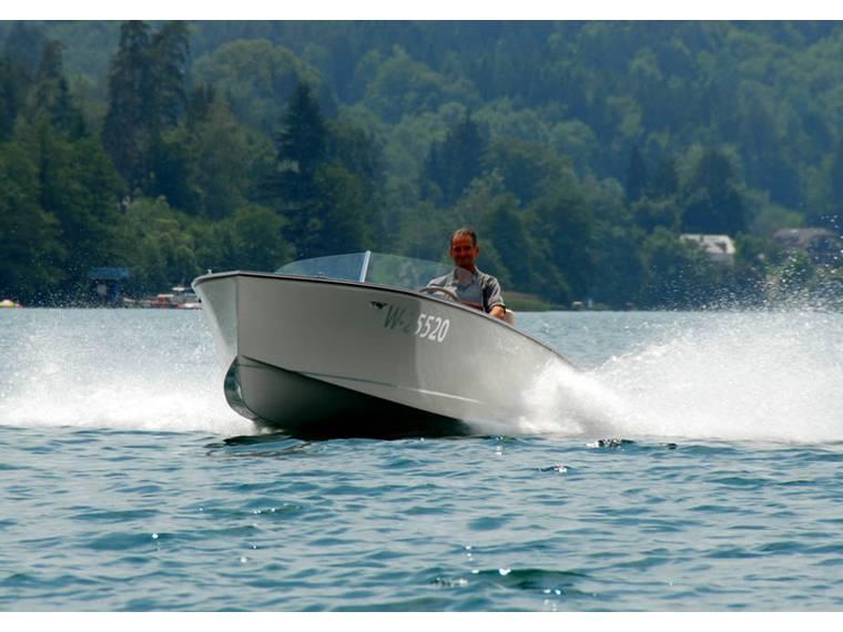 SCHMALZL JULIKA 660 Motorboot