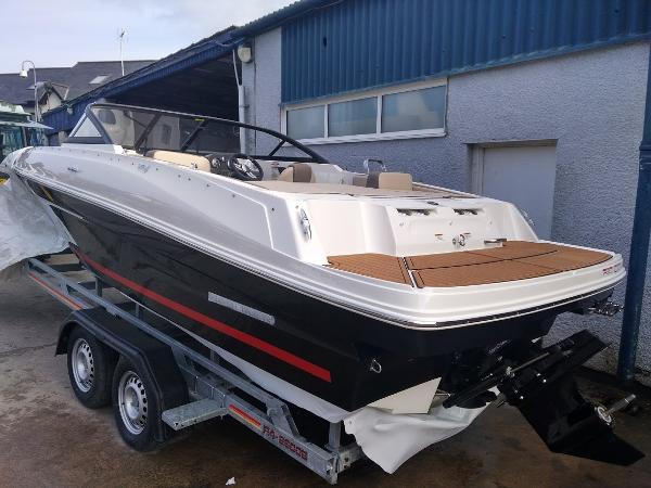Bayliner VR4E Bayliner VR4E Inboard Bowrider