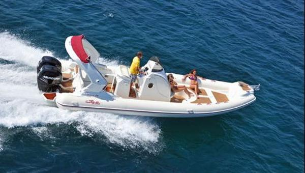 Nuova Jolly Prince 28 Extreme On the water