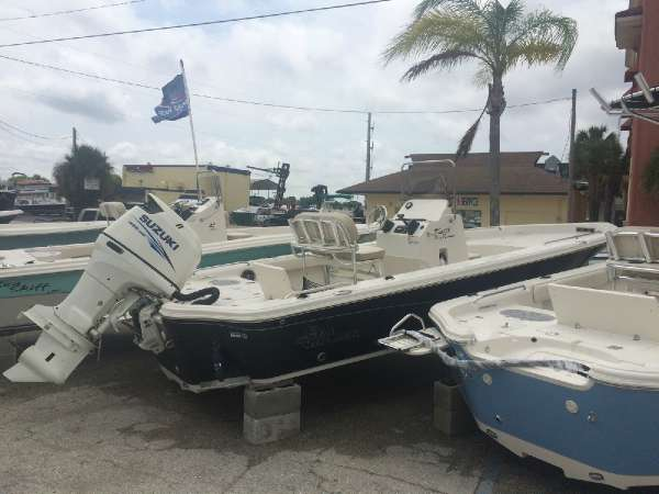 Sea Chaser 23 LX Bay Runner