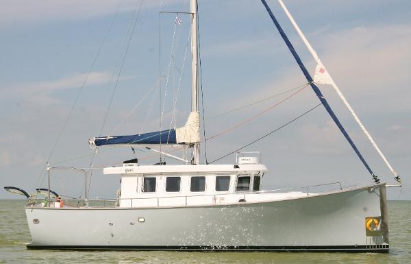 Trawler Yacht 38