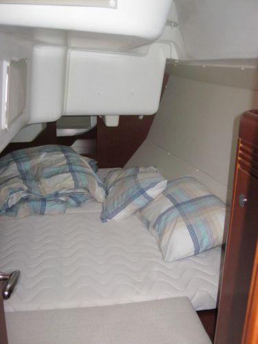 Beneteau Oceanis 31 - Large aft cabin