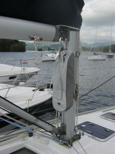 Beneteau Oceanis 31 - Mast foot and rigid vang