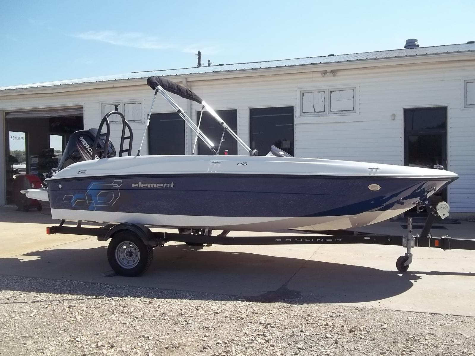 Bayliner 18 Element