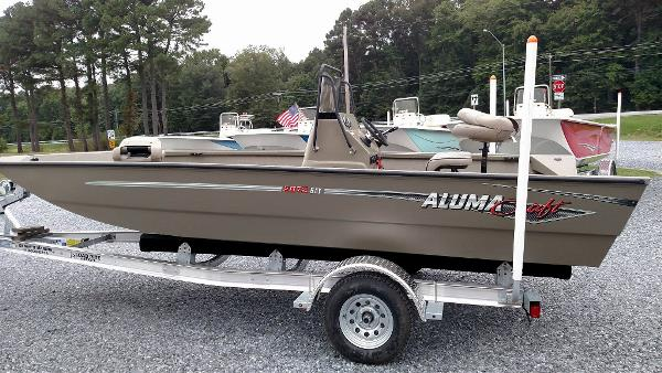 Alumacraft MV2072 AW Bay