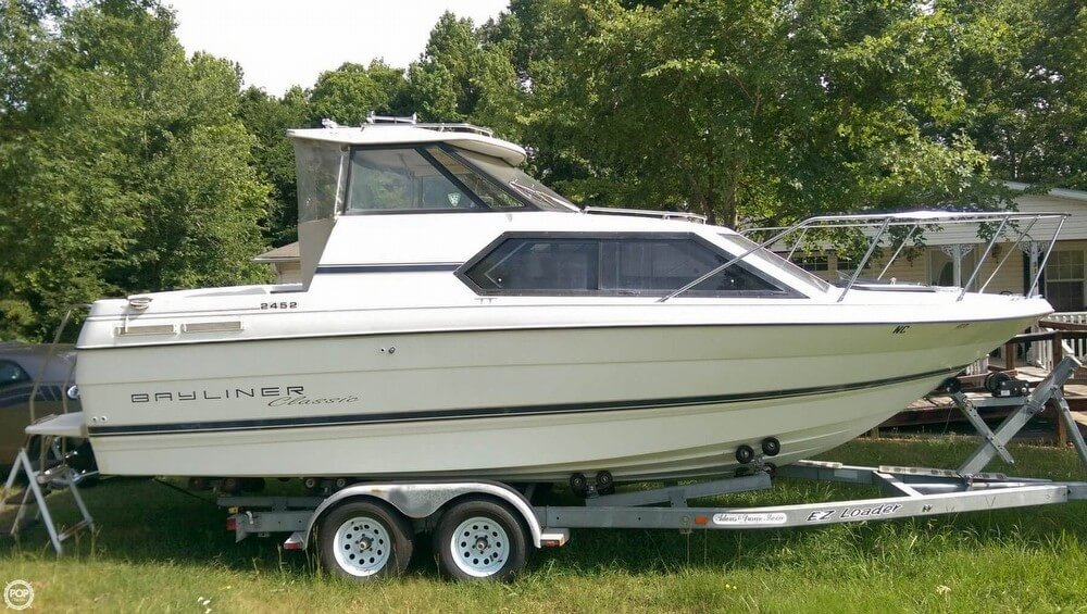 Bayliner 2452 Classic 1995 Bayliner 2452 Classic for sale in Burlington, NC
