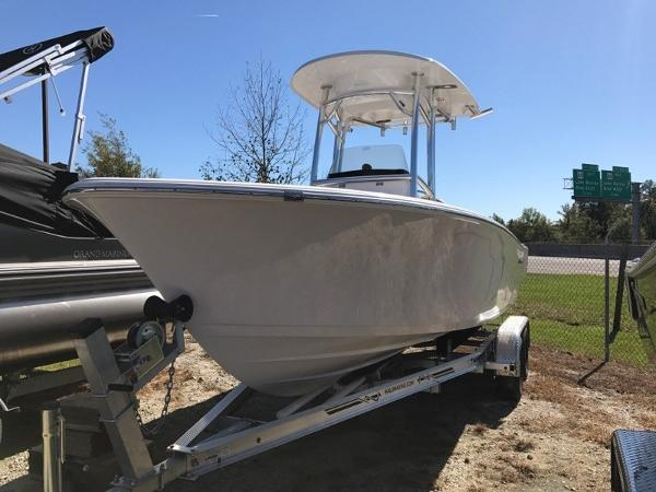 6144255_20171102102118037_1_LARGE?w=300&h=300 2000 benchmark catamaran, mt pleasant south carolina boats com Sportsman 211 Heritage Live Well at bayanpartner.co