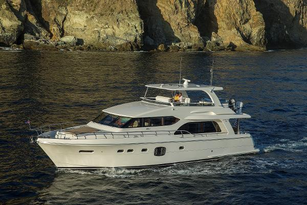 Hampton 650-26 Pilothouse