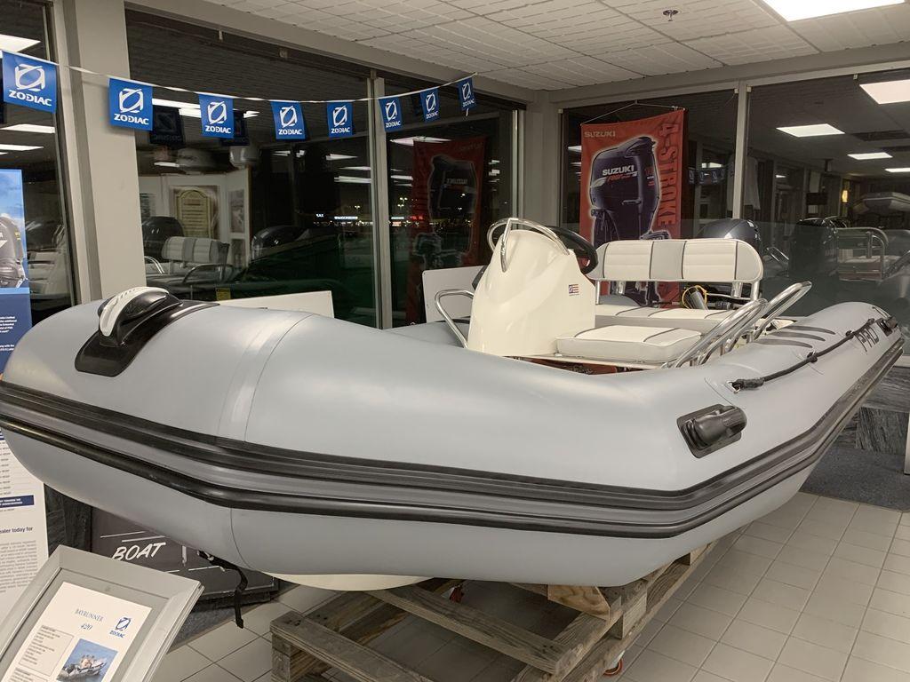 Zodiac Boats Bayrunner 420
