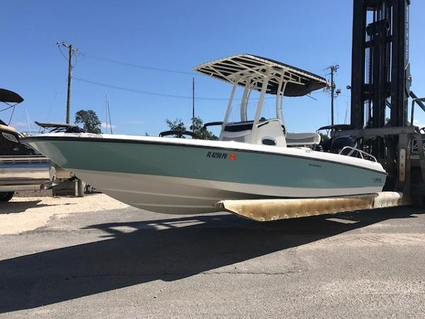 Boston Whaler 24 DAUNTLESS