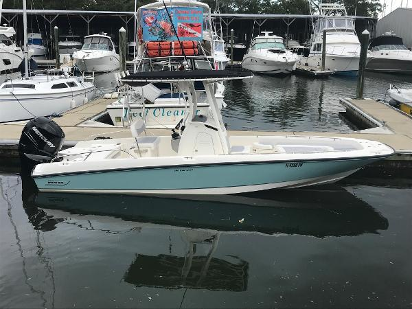 Boston Whaler 24 DAUNTLESS