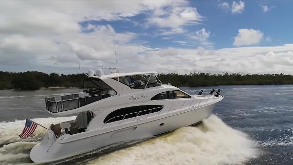 Hatteras 64 Motor Yacht Profile