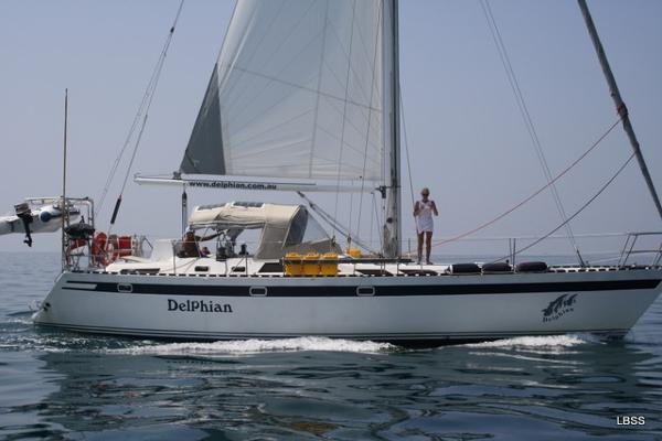 Sloop McIntosh 47 motoring