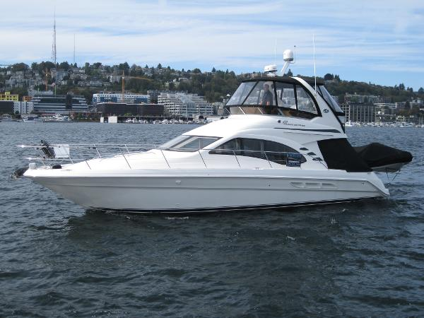 Sea Ray 420 Sedan Bridge Profile #1