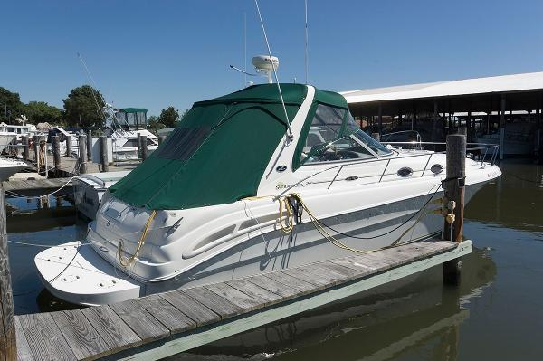 Sea Ray 340 Sundancer Stern Profile
