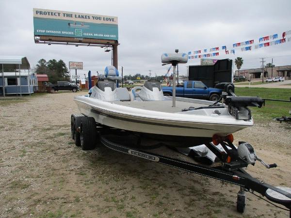 Legend Boats V-21