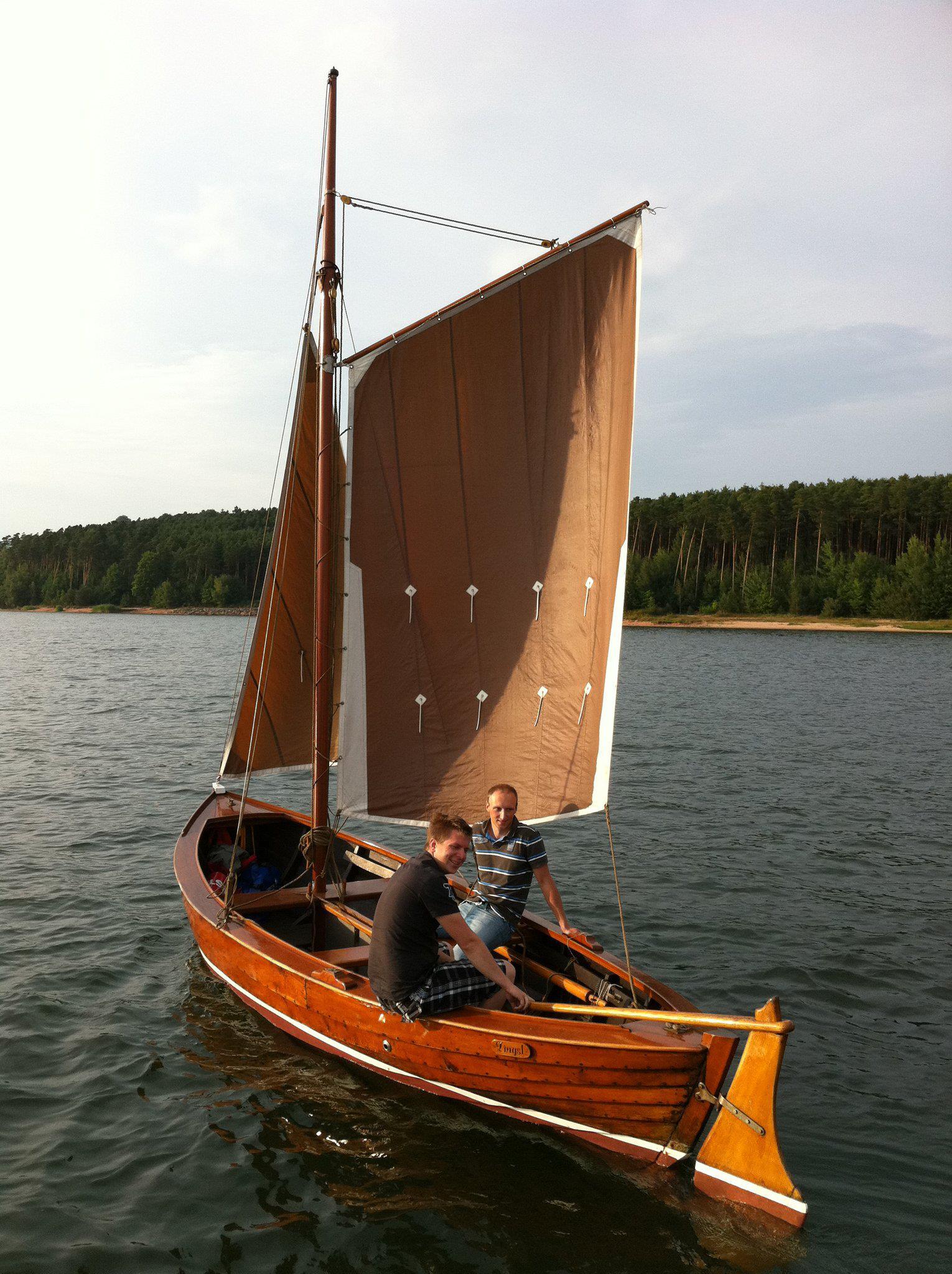 Boatyard Holzjolle Netzboot Fischer