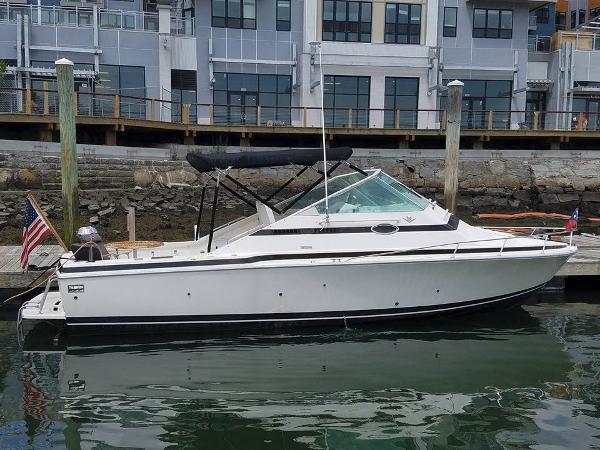 Bertram Bahia Mar Starboard Profile