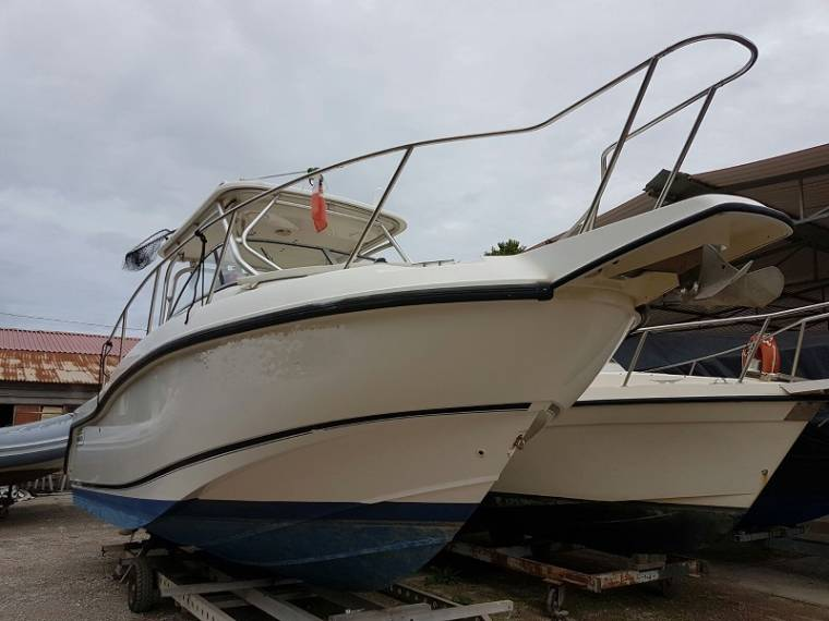 Boston Whaler BOSTON WHALER Boston 255 Conquest