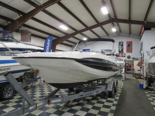 Bayliner 217SD