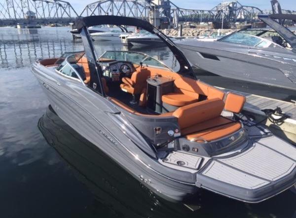 Cruisers Sport Series 298 Bowrider