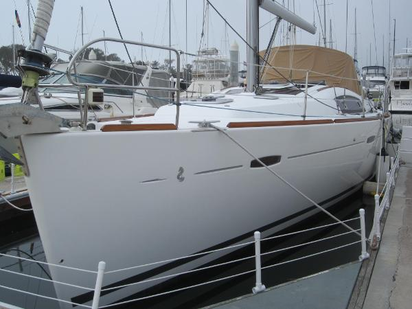 Beneteau 43 Port Side