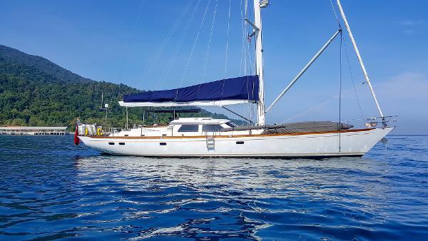 Sensation Yachts Opus 73 Sensation Yachts Opus 73 - Golden Opus