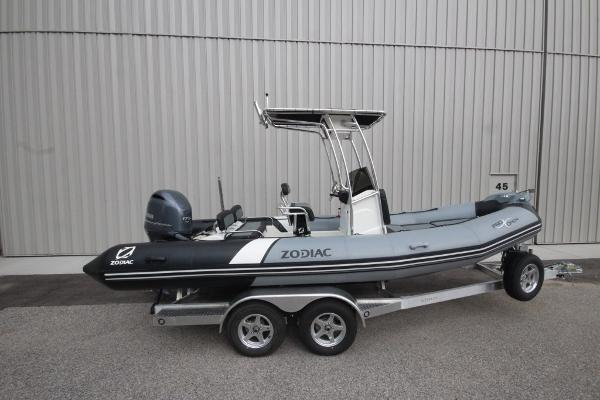 Zodiac Pro Open 650 NEO T-Top 150hp In Stock