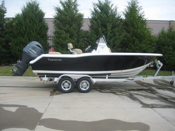 Tidewater Boats 210LXF