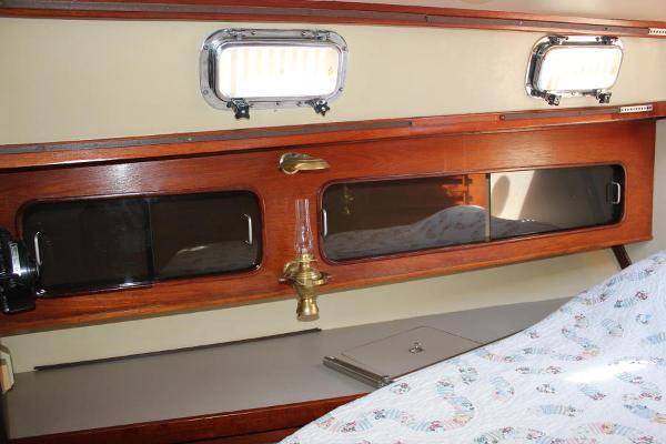 Aft master cabin storage