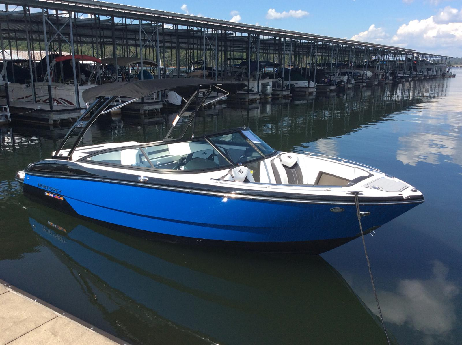 Monterey 238SS Bowrider w/ Mercury 6.2 300 HP
