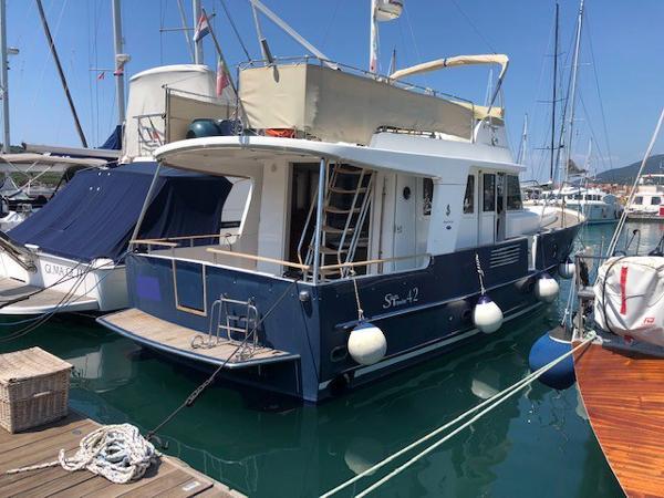 Beneteau Swift Trawler 42 esterno poppa