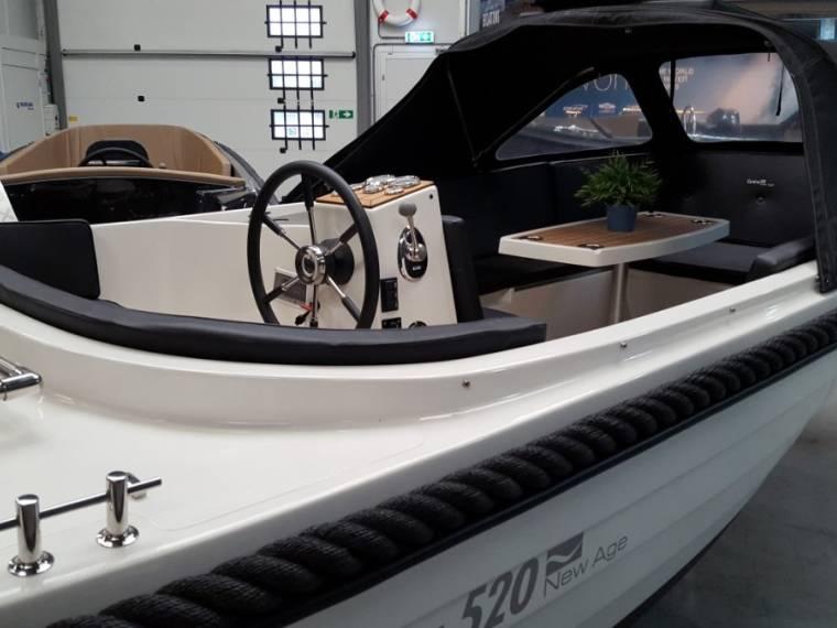 Corsiva 520 sloep met Suzuki 40 Pk Corsiva 520 sloep met Suzuki 40 Pk Vele extra`s