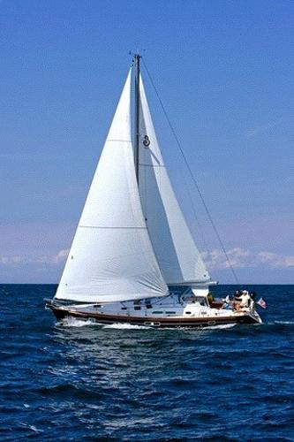 Beneteau 423 Sailing