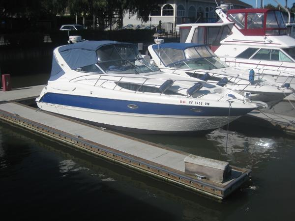 2006 Bayliner 305 main photo