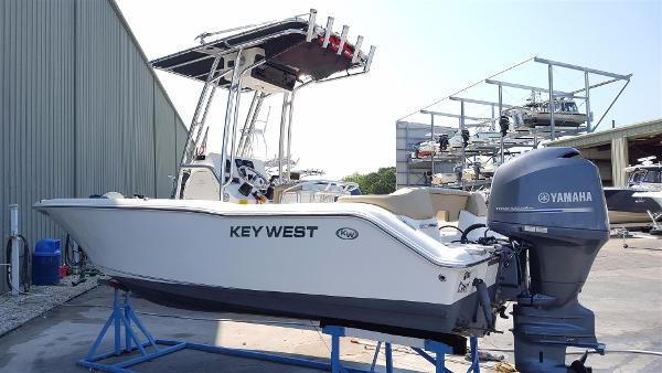 Key West 203FS Center Console