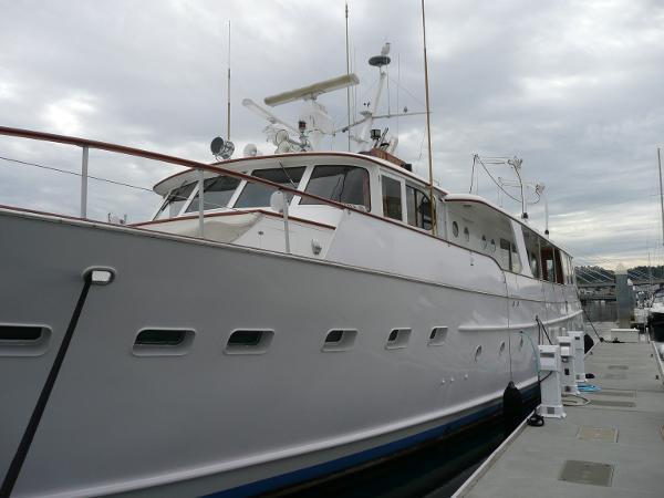 Port exterior