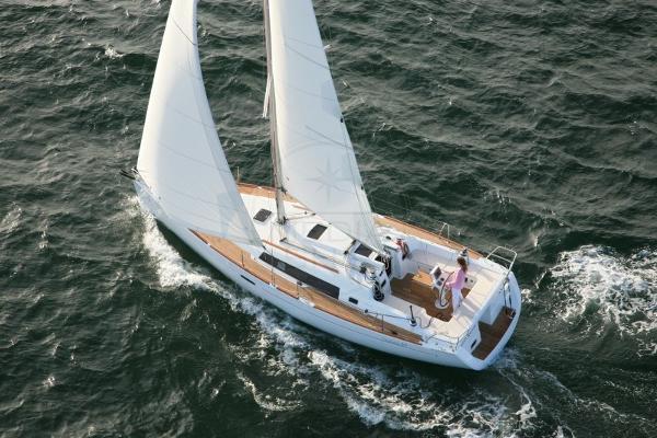 Beneteau Oceanis 37 BENETEAU - OCEANIS 37 - exteriors
