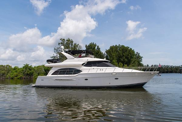 Meridian 580 Pilothouse Land Shark