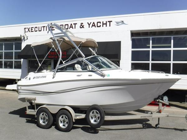 Four Winns 220 Horizon Bowrider