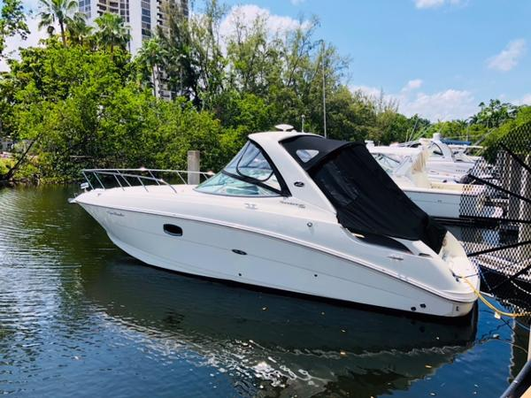 Sea Ray 310 Sundancer main