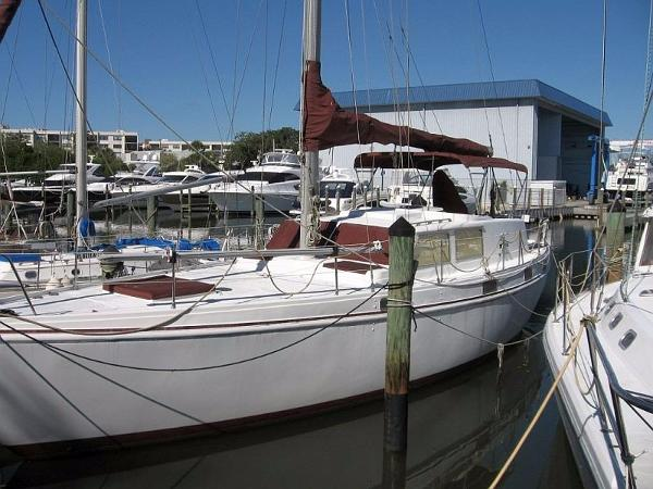 45 Columbia Motorsailor Sloop Profile