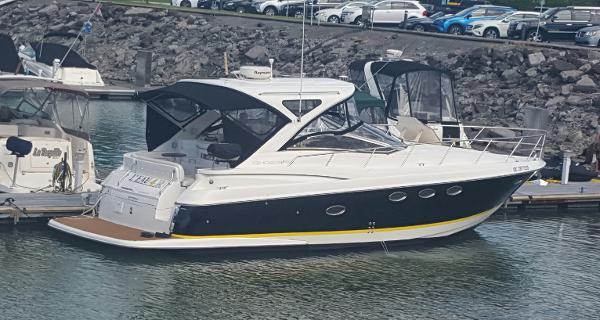 Regal 4060 Commodore